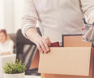 Нужно ли отрабатывать две недели при увольнении по собственному желанию?