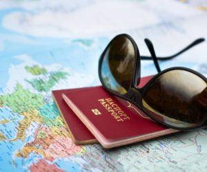 При смене фамилии нужно ли менять загранпаспорт