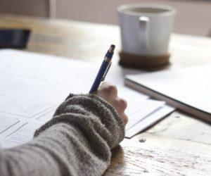 Обязательно ли писать отказ от наследства
